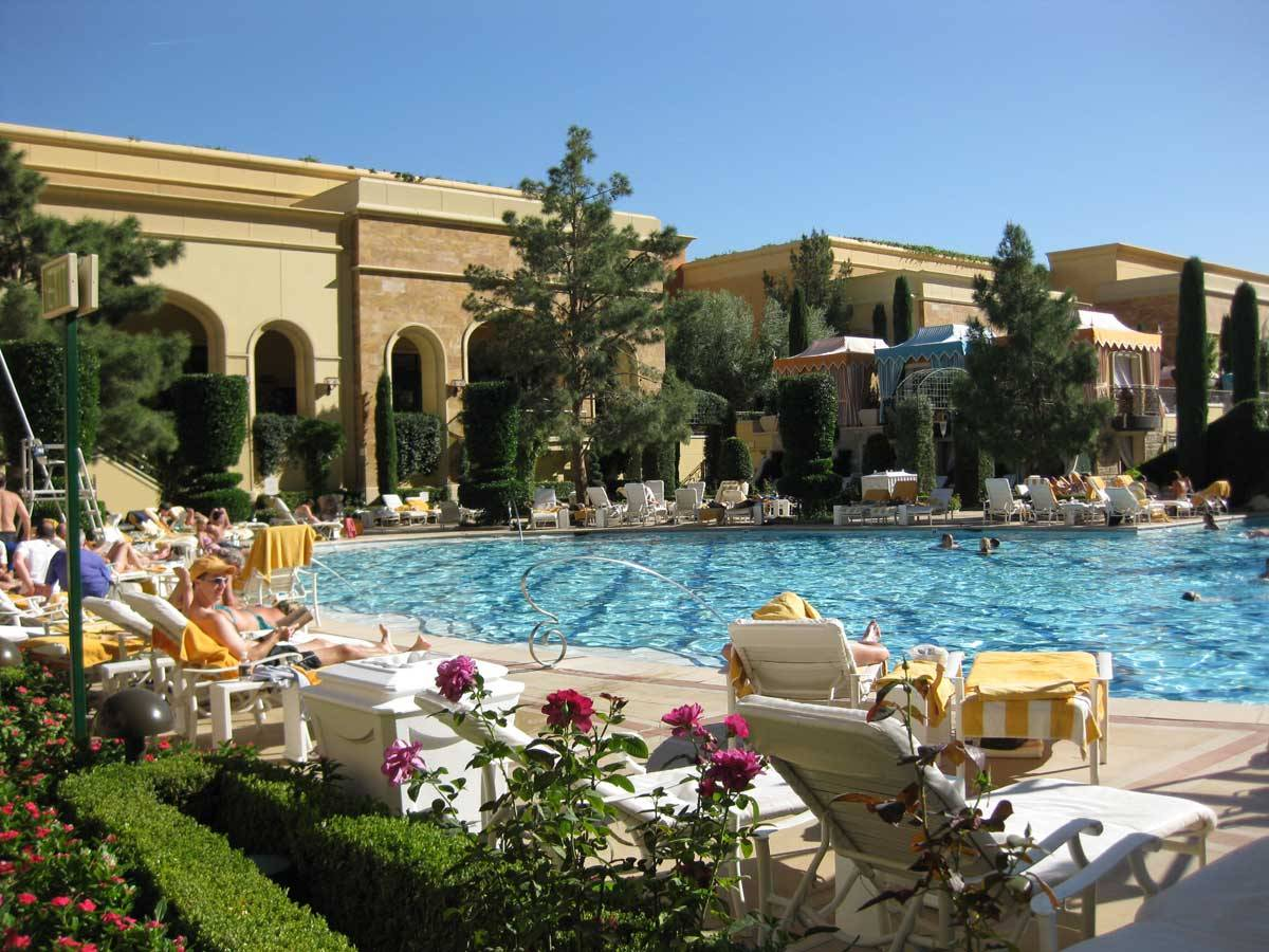 the wynn las vegas pool